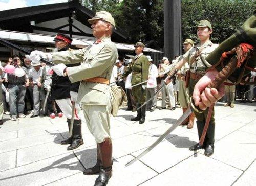 学者称日本右翼正在抬头 军国主义已基本复活