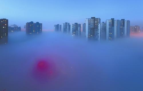 """网上流传的北京""""大雾美图""""。"""