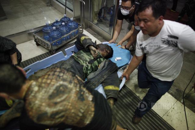 天津爆炸事故已致44人遇难 包括12名消防官兵