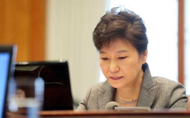 朴槿惠将就好友幕后干政发表电视直播讲话