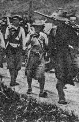 反围剿行军中的红军战士