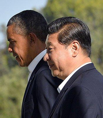 习近平与奥巴马漫步交谈