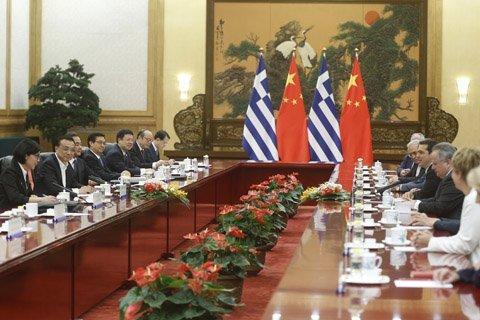 李克强会见希腊总理:一次不系领带的正式会晤