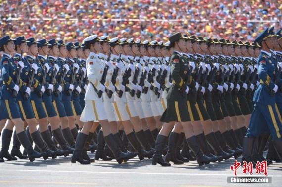 """9・3阅兵:中国女兵走出历史展现别样""""中国美"""""""