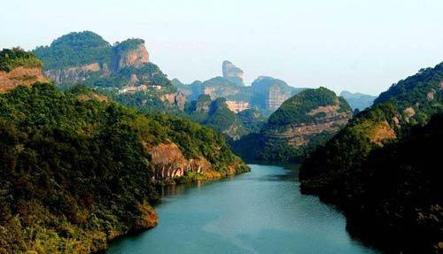 """""""中国丹霞""""被正式列入《世界遗产名录》"""