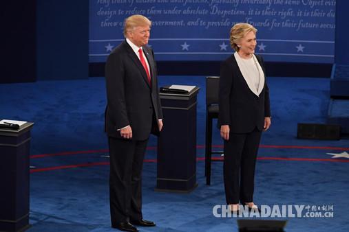 """美国总统候选人""""二辩"""" 特朗普使出""""杀手锏"""""""