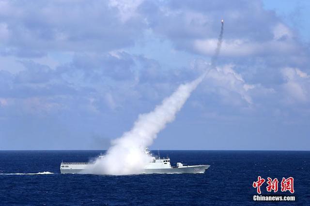 """国防部回应""""中国南海军演反击美国"""":例行训练"""