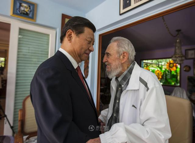 习近平探望古巴革命领袖菲德尔-卡斯特罗