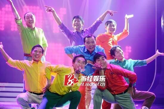 长沙60岁老汉团模仿少女时代 亮相荧屏跳热舞