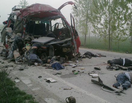 安徽萧县中巴客车与大货车对撞 已致24人遇难 - 陈新龙 - 太平博客