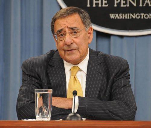 美国国防部长强调不会介入中菲黄岩岛争端