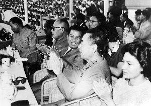 毛泽东曾视西哈努克为知己并劝他入党(图)