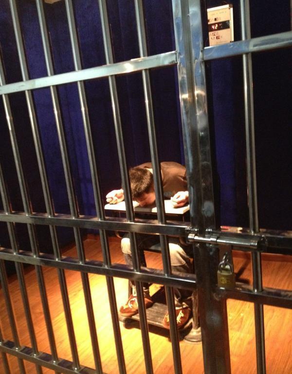 安徽聋哑人盗窃案32人受审 起诉书存疑点