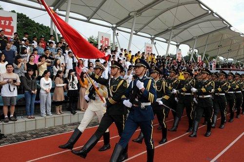 广州军区十军官升将官军衔 驻港部队政委晋中