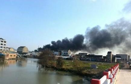 浙江温岭一鞋厂今天下午发生大火 16人遇难