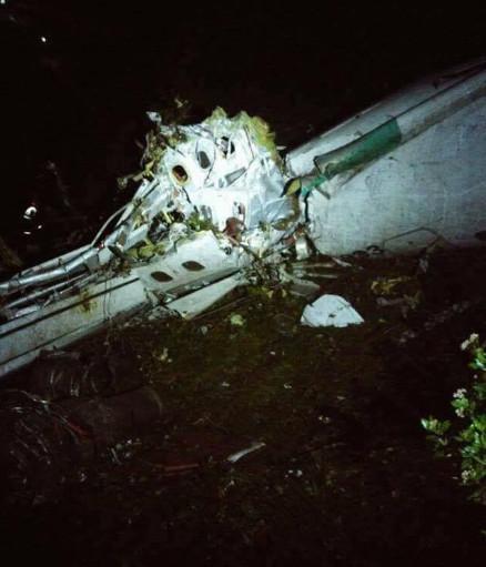 巴西载81人客机在哥坠毁 事故原因或为为燃料不足