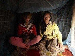 女人性交新闻_柬埔寨部落父亲为少女造性爱小屋 鼓励性行为_新闻