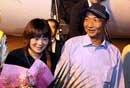 中国船长乘包机回国