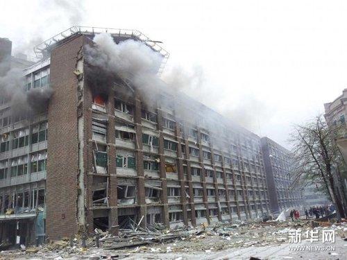 组图:挪威发生爆炸和枪击事件 警察现场救援