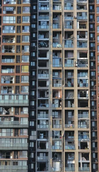 天津爆炸区域附近小区居民搬离家园