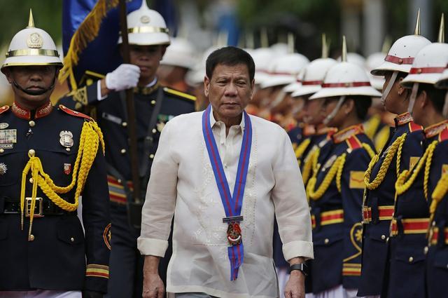 菲总统:美国在南海问题上利用菲律宾 我们坚持独立自主