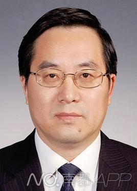 总书记办公室主任丁薛祥落座正部级官员之间