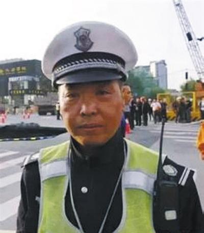 """杭州协警成""""世界网红"""":说我英雄有点过了"""