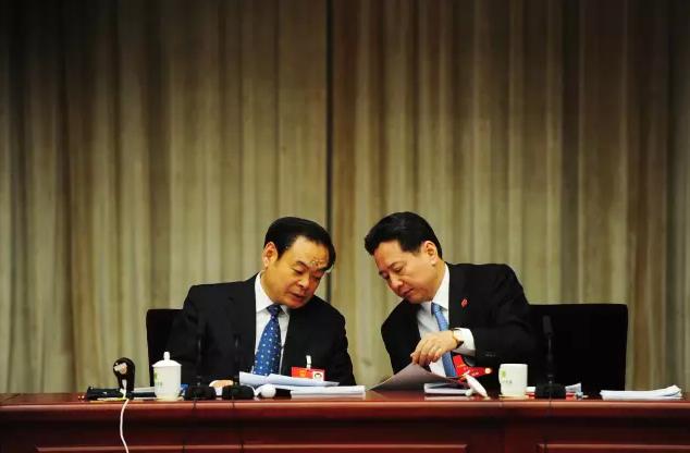山西省委书记10分钟怎么连讲3个反腐故事?
