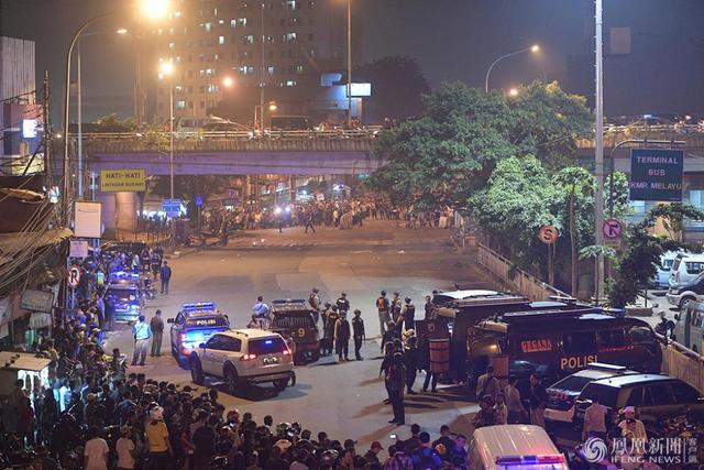 印尼连环自杀式炸弹袭击致5死10伤 中国使馆发安全提示