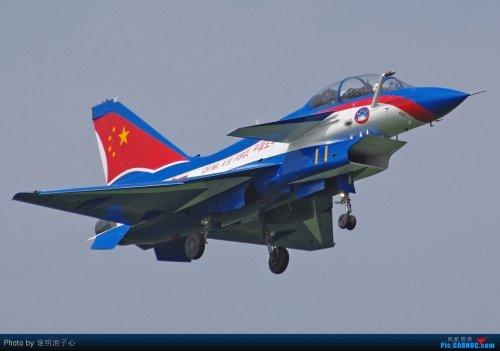 八一飞行队新涂装歼10将参加珠海航展(组图)