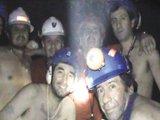 智利政府公布视频中的被困矿工