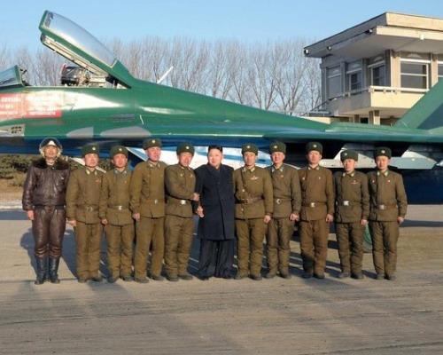 朝鲜人民军空军_荣获吴仲洽7团称号的朝鲜人民军航空与防空军第1017部队的飞行训练.