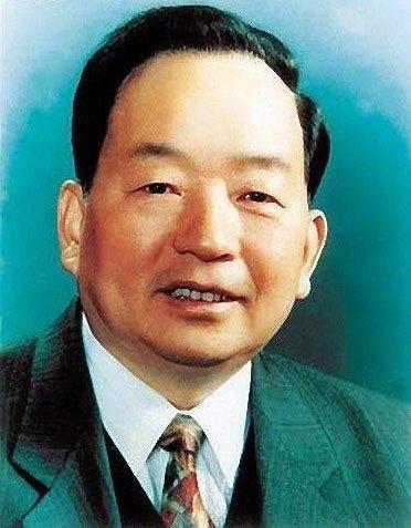 田纪云撰文回忆乔石对中国民主法制的贡献