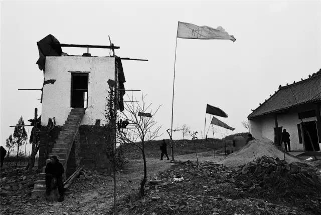 2009年3月11日,河南省襄城县。一处正在维修的宗庙。