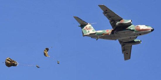 日本自卫队首次举行空降部队夺岛军事演习