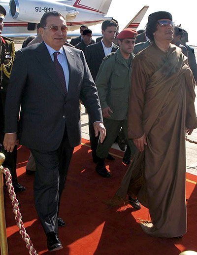 穆巴拉克听闻卡扎菲死讯后大哭昏厥 据称已脑死亡