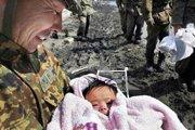 救援发现四个月大的女婴幸存