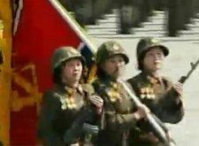 女兵护旗队