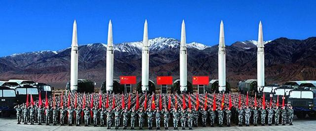"""火箭军""""常规导弹第一旅""""完成第200次长剑飞天"""
