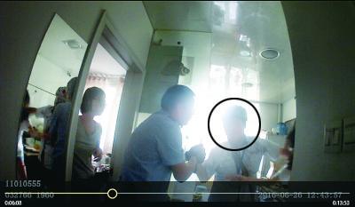 送餐员劫持女生续:预谋两个多月 希望被击毙