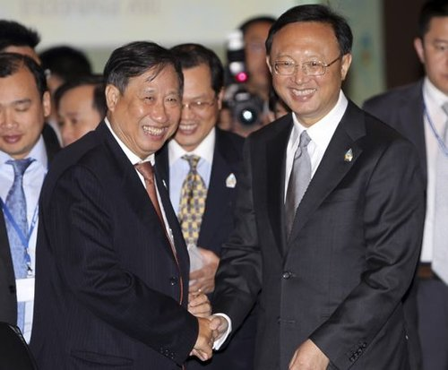 """越副总理誓言捍卫南海""""主权"""" 杨洁篪晤越外长"""