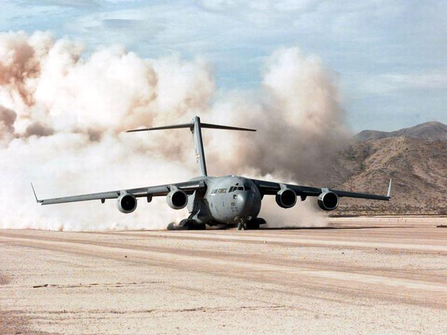 波音完成最后1架C-17运输机装配 工厂年底关闭