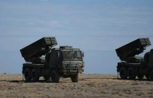 解放军对台主力部队进行火箭炮跨海打击演练