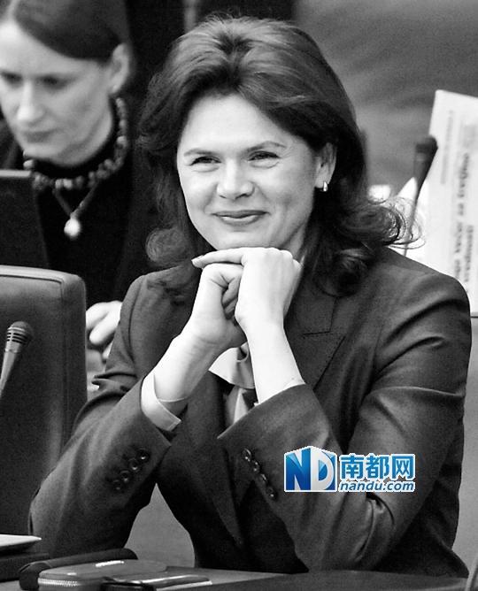 斯洛文尼亚首位女总理辞职 连续3届政府提前卸任