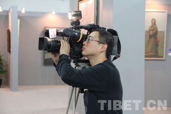 [和美花絮]央视记者走西藏:累并简单着