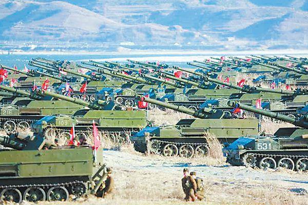"""朝鲜进行""""夷平首尔""""演习 金正恩现场指导炮兵射击"""