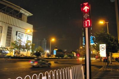 天津公安局长曾屡查不倒 发明信号灯遍布全城