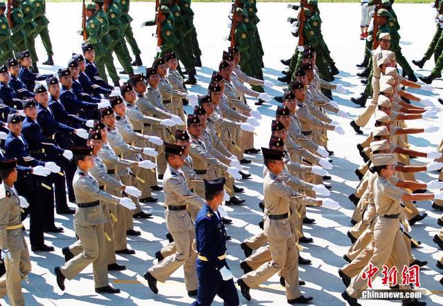 记者探访受阅外军训练 达到中国步伐标准