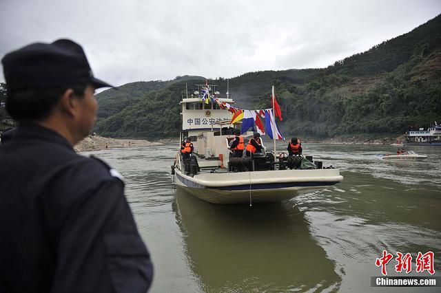 """见证湄公河四国巡航威慑力 过往商人感叹""""中国强大"""""""