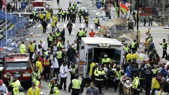奥巴马誓言找到波士顿爆炸肇事者 升级安保措施